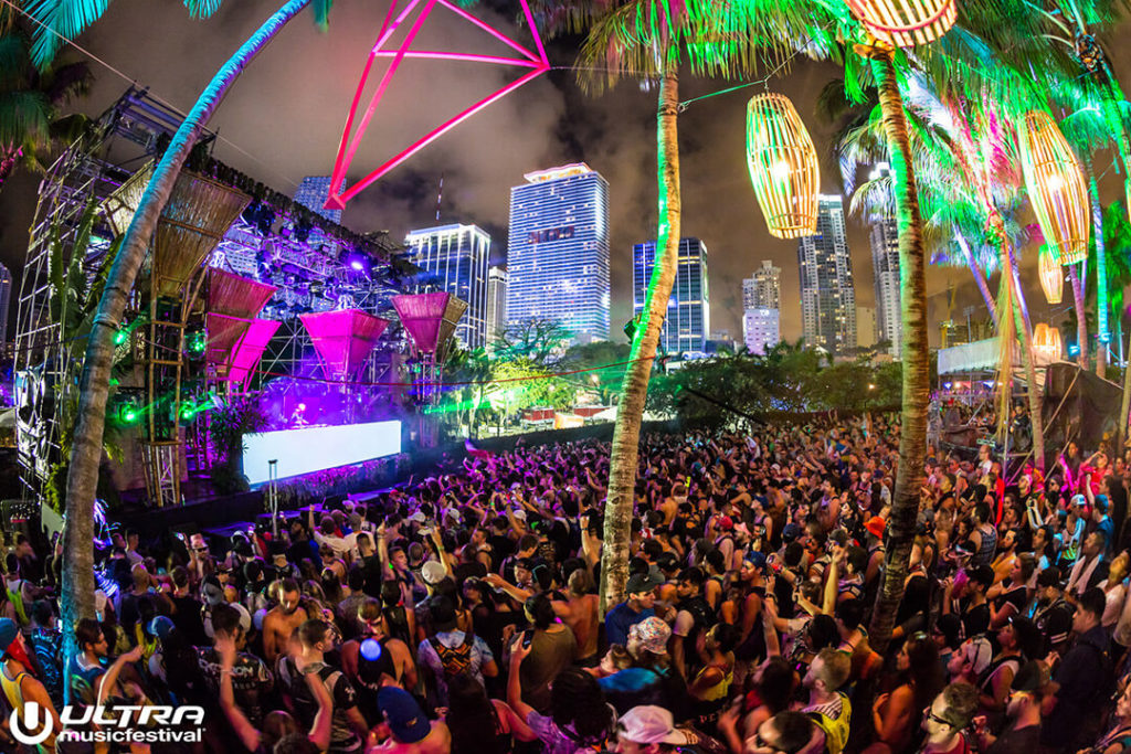 miami gallery 2017 17 1024x683 - Ultra Music Festival 2017 Images