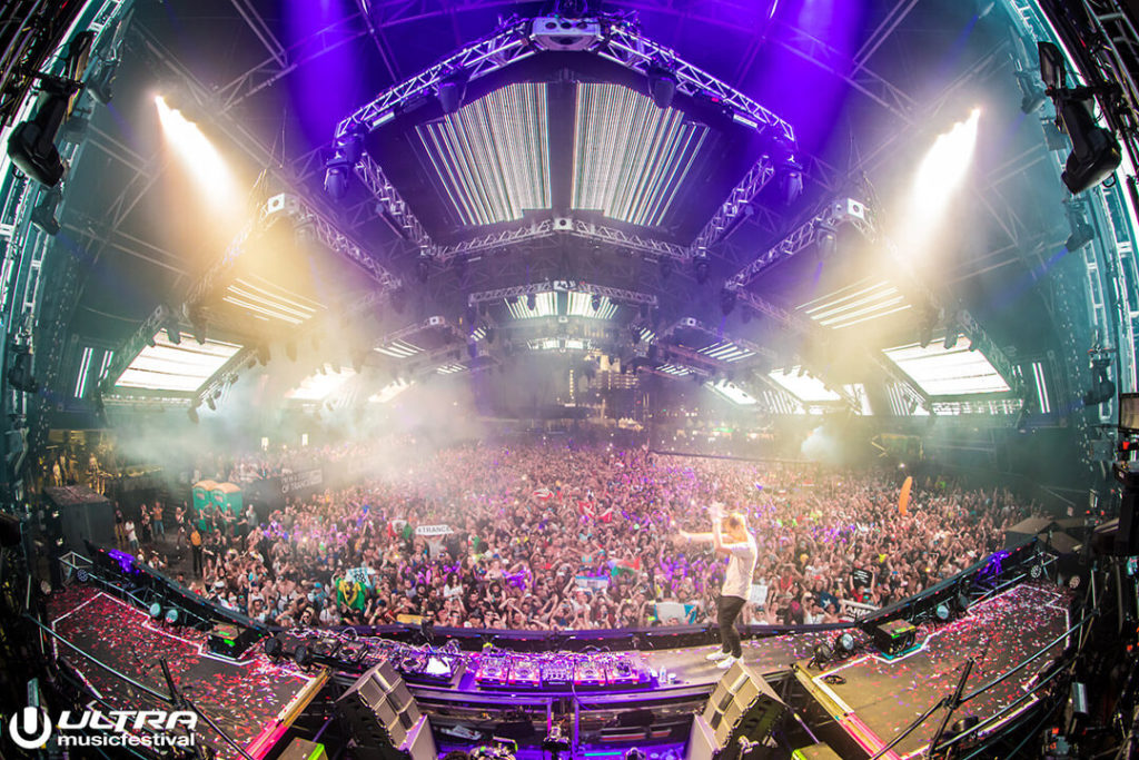 miami gallery 2017 2 1024x683 - Ultra Music Festival 2017 Images