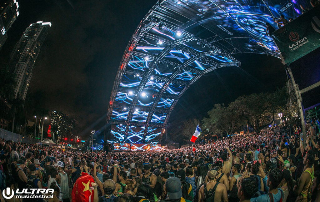 miami gallery 2017 27 1024x646 - Ultra Music Festival 2017 Images
