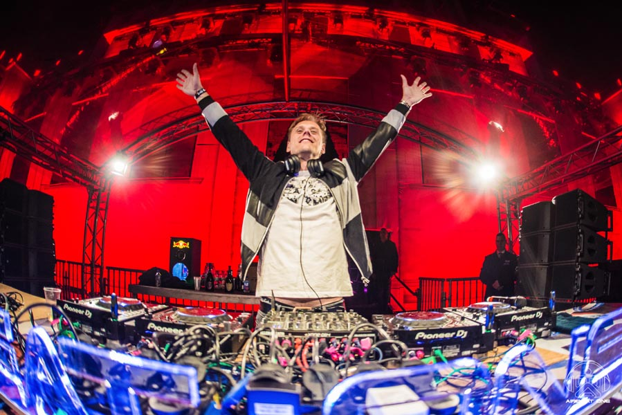 067 140717 011206 NICLAS RUEHL - Airbeat One 2017 Images